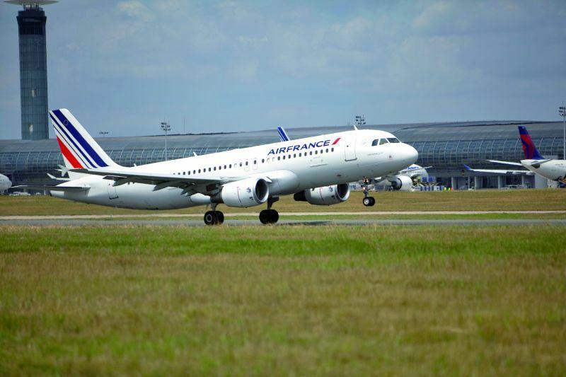 Air France, Warszawa – Paryż – Warszawa, Airbus A319/A320 Premium Economy