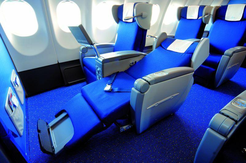 KLM, Warszawa – Amsterdam – Kilimandżaro, Boeing 737-400/777-200 Business Class