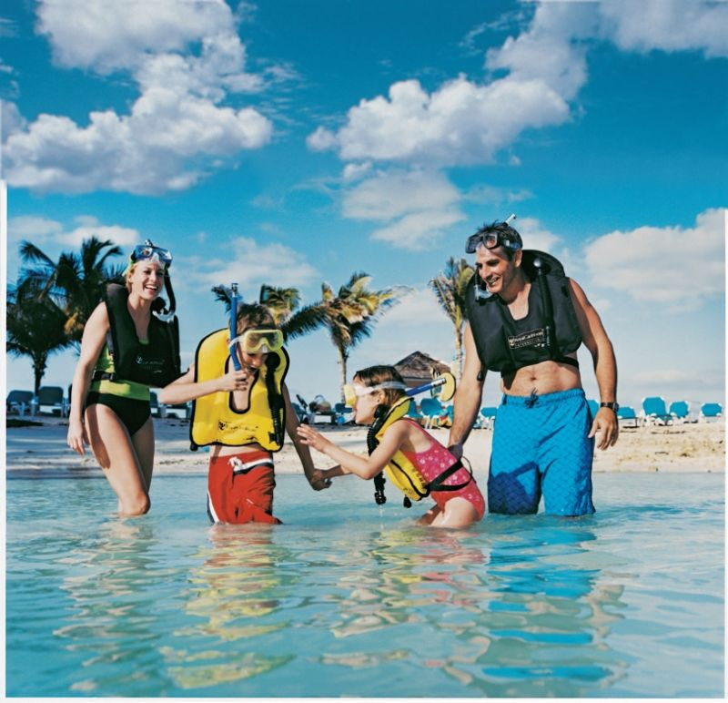 RCI_CocoCay_Snorking family