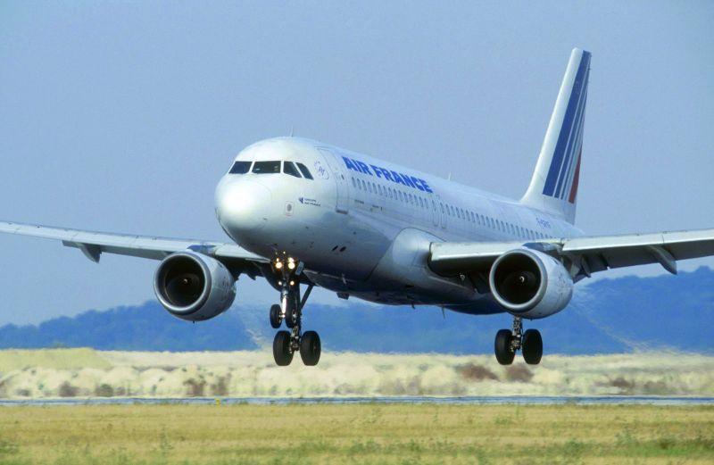 Air France, Warszawa–Paryż, Airbus 319 klasa voyageur