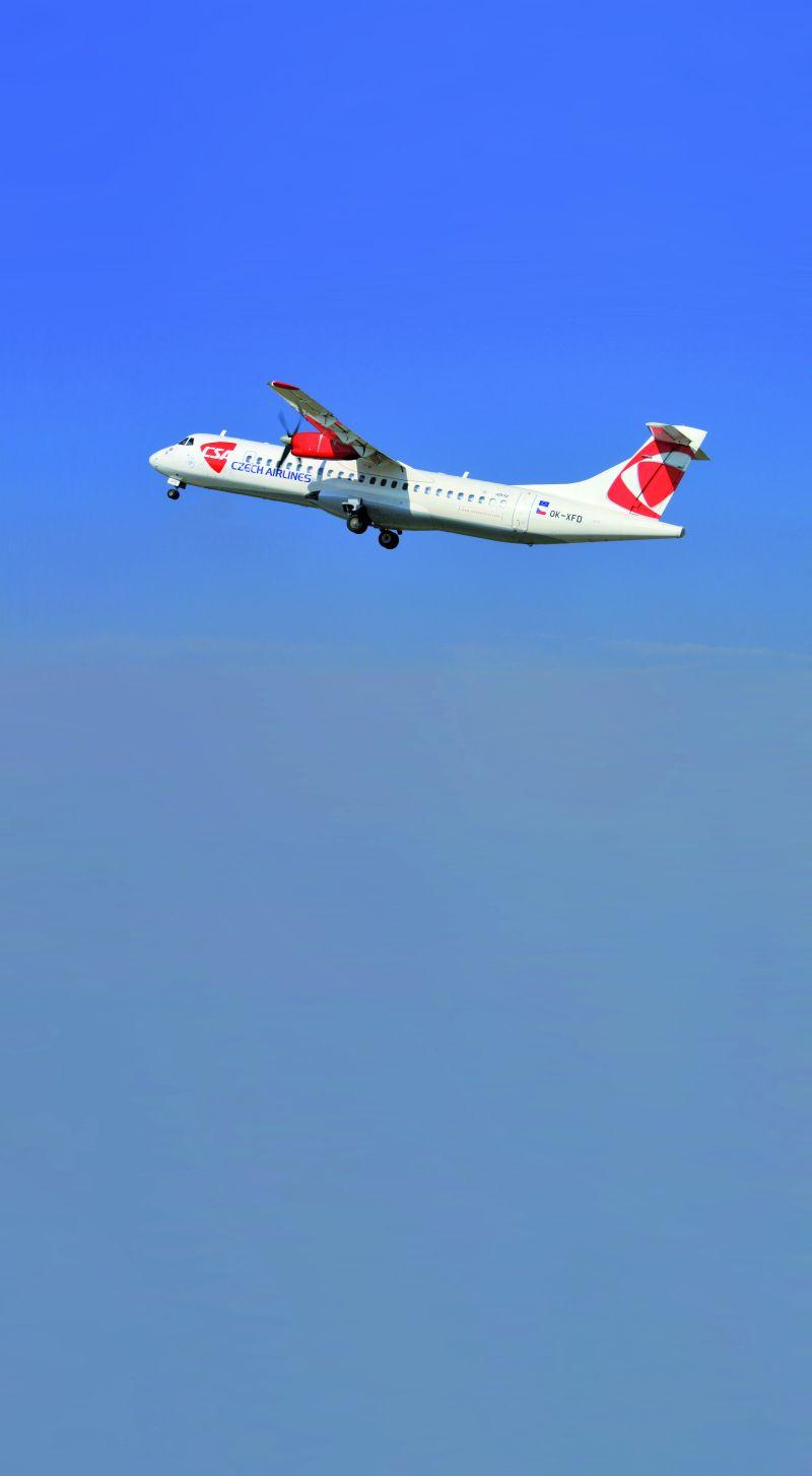 Czech Airlines, Praga – Budapeszt, ATR 42  klasa ekonomiczna