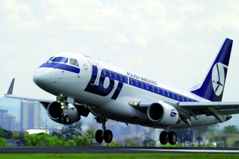 LOT, Budapeszt-Warszawa, Embraer 175 klasa ekonomiczna