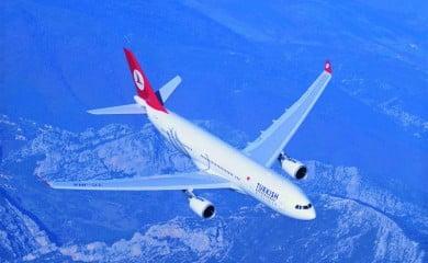 Turkish Airlines, Istambuł – Singapur, Airbus 330-200 business class