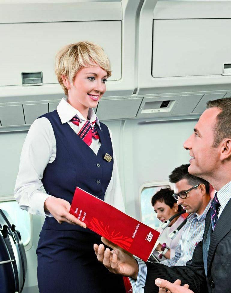 PLL LOT, stewardessa
