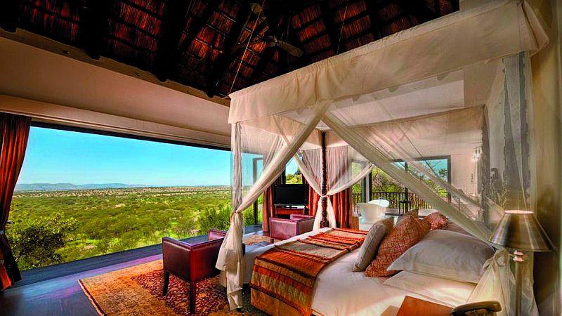 Bilila-Lodge-bedroom-savannah-view_big
