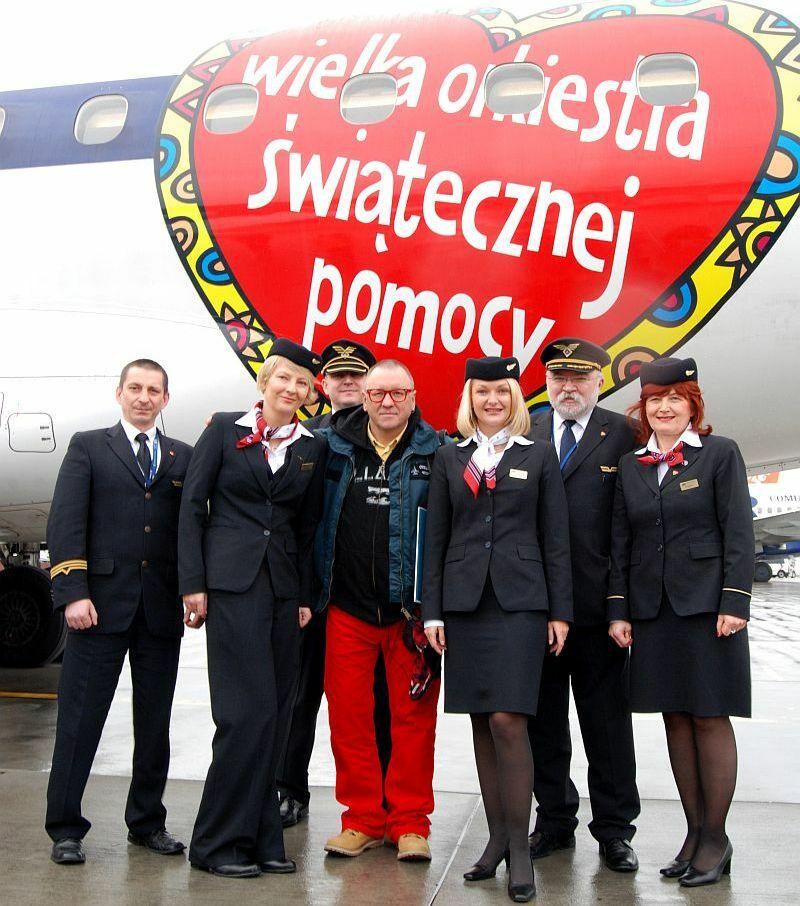 Załoga OrkiestroLOT-u z Jurkiem Owsiakiem