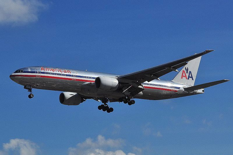 1280px-Boeing_777-223ER_-_American_Airlines_(N756AM)