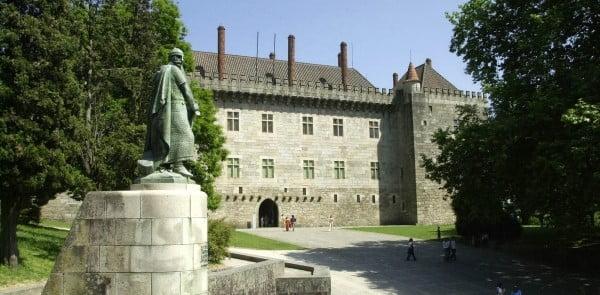 D. Afonso Henriques e Paços dos Duques de Bragança