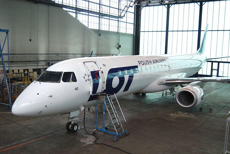 Embraer 190-200 fot. Tomasz Zawadzki PLL LOT
