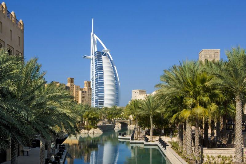Dubaj. Widoki futurystycznych wieżowców to tutaj norma. Fot. dreamstime