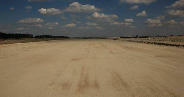Pas startowy lubelskiego lotniska ma mieć 2520 metrów długości. Fot. Port Lotniczy Lublin