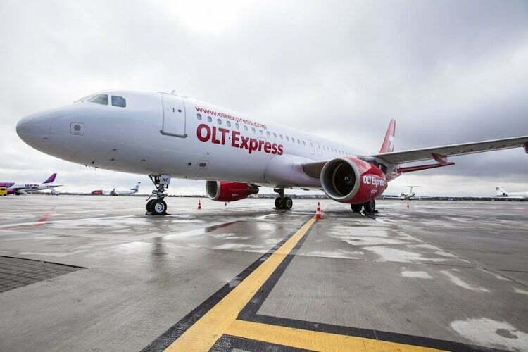 OLT Express samolot