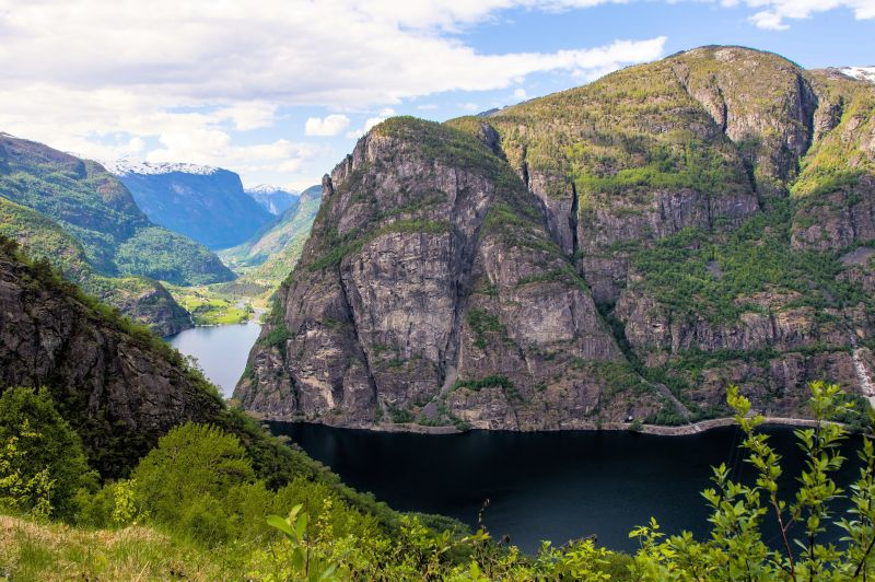 8.Aurlandsdalen – polecane są jedno - lub trzydniowe trasy wzdłuż doliny Aurlandsdalen. Fot.-Uniseller-Fotolia