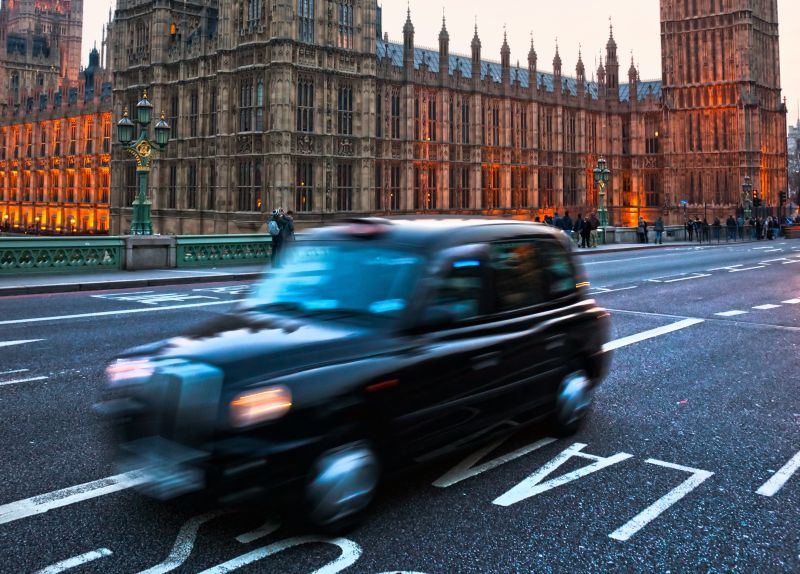 Taksówka w Londynie Fot. MasterLu Fotolia