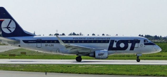 PLL LOT Embraer