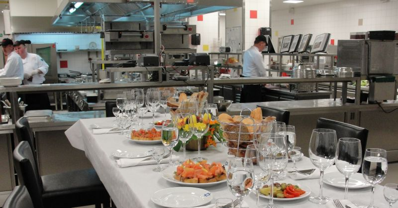 Chef's Table w restauracji Parmizziano's w warszawskim Marriotcie. Fot. Marriot