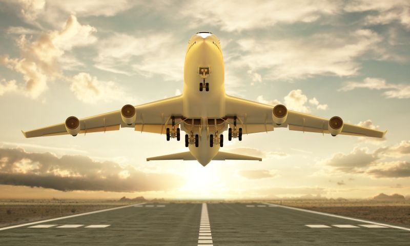 samolot Fot. Guido Vrola - Fotolia.com