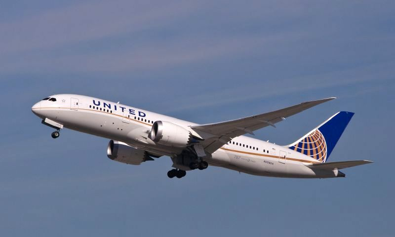 Samolot United Airlines. Fot. Russavia/Wikimedia Commons