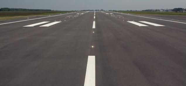 lotnisko-Modlin-Pas-startowy-635x295[1]