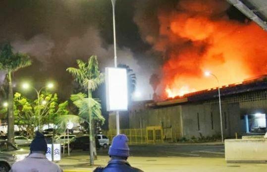 Pożar na lotnisku w Nairobi. Źródło: YouTube
