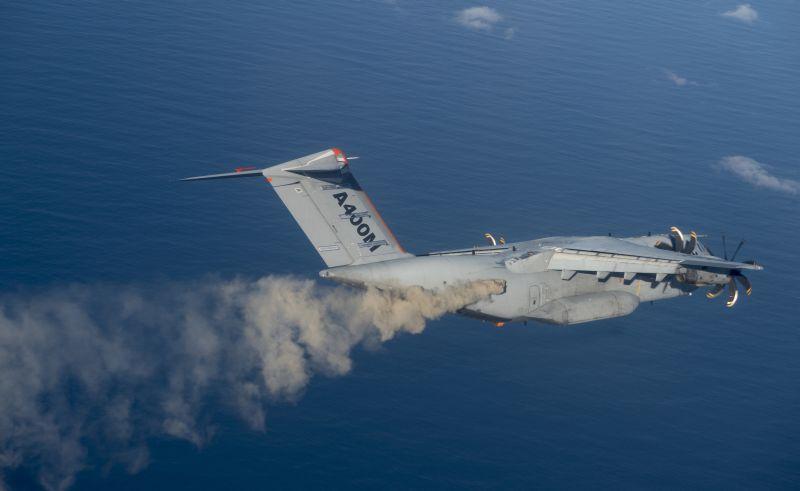 Specjalny samolot Airbusa rozpyla pył wulkaniczny. Fot. Airbus