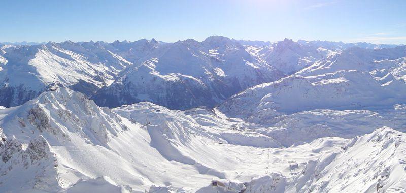 Hermetyczny świat rodzin Lech wypracował wspólną politykę i stworzył jeden z najbardziej luksusowych kurortów narciarskich