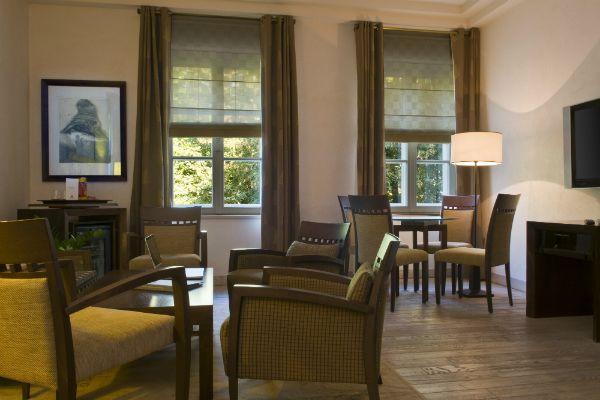 Le_Regina_Suite_Living_Room