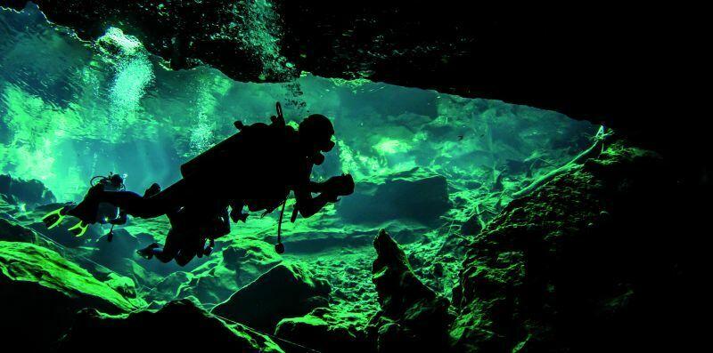 Jedna z większych atrakcji półwyspu Jukatan jest nurkowanie wśród raf koralowych. Fot. Fotolia.pl
