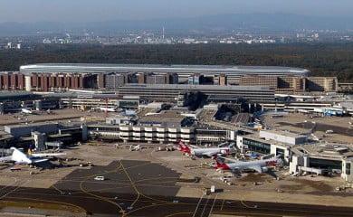 Frankfurt Airport - Wikipedia