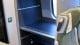 Szafki na duży bagaż w wagonach. Górne półki nie pomieszczą typowych dużych walizek, zmieści się tam raczej bagaż podręczny w samolotowych rozmiarach.