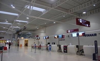 Wnętrze terminala w Lublinie. Fot. Szater/Lic CC-BY-SA-3.0