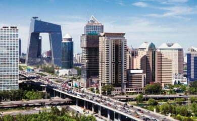 Wizja kolejnych 100 mln obywateli, którzy do 2020 r. przeniosą się z obszarów wiejskich do miast, stawia przed Chinami ogromne wyzwania urbanizacyjne. Fot. Fotolia.com