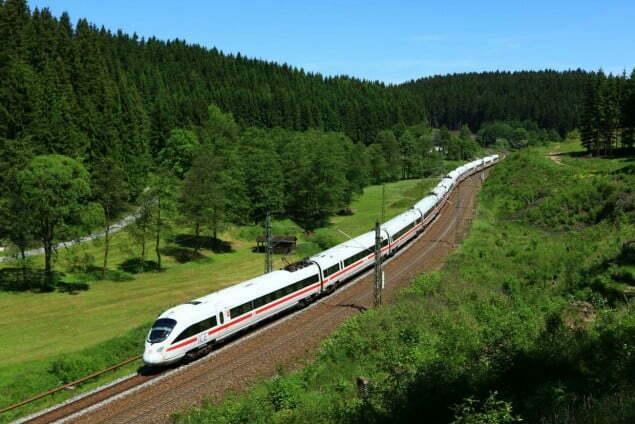 Frankenwaldrampe - es rollen zwei DB Fernverkehr ICE T Baureihe  411 auf der Relation Leipzig - München in Richtung Förtschendorf zu Tale
