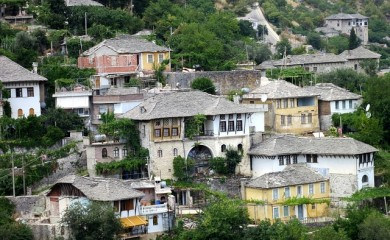 typical-albanian-houses-229362_640