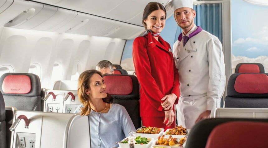 Na ogół przewoźnicy starają się zaoferować pasażerom bogatszy wybór opcji kulinarnych.