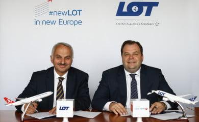 Tamel Kotil, szef Turkish Airlines i Sebastian Mikosz, prezes LOT