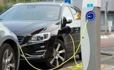 Ładowanie samochodów elektrycznych w Holandii
