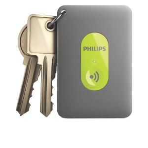 PHILIPS INRANGE BLUETOOTH Cena: 229 zł; philips.pl Ten inteligentny system alarmowy skutecznie zabezpieczy nasze rzeczy przed kradzieżą. Jego głównym elementem jest niewielki brelok (3 cm x 11 cm x 12 cm, 9 g), który przyczepiamy do walizki, kluczy albo portfela. Jeśli tak zabezpieczona rzecz oddali się od właściciela, na jego urządzeniu mobilnym (tylko sprzęt Apple) uruchamia się alarm. Aplikacja (dostępna na telefony iPhone 4S ipóźniejsze) pozwala nam także łatwo ustalić, gdzie położyliśmy nasze drogocenne przedmioty, oszczędzając masę czasu inerwów. Można na niej także ustawić bezpieczne godziny, podczas których alarm się nie włączy.