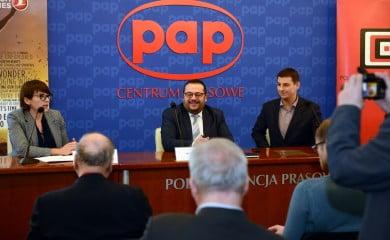 Od lewej dyrektor PISF Magdalena Sroka oraz dyrektor Turkish Airlines w Polsce Mete Akandere. Fot. PISF