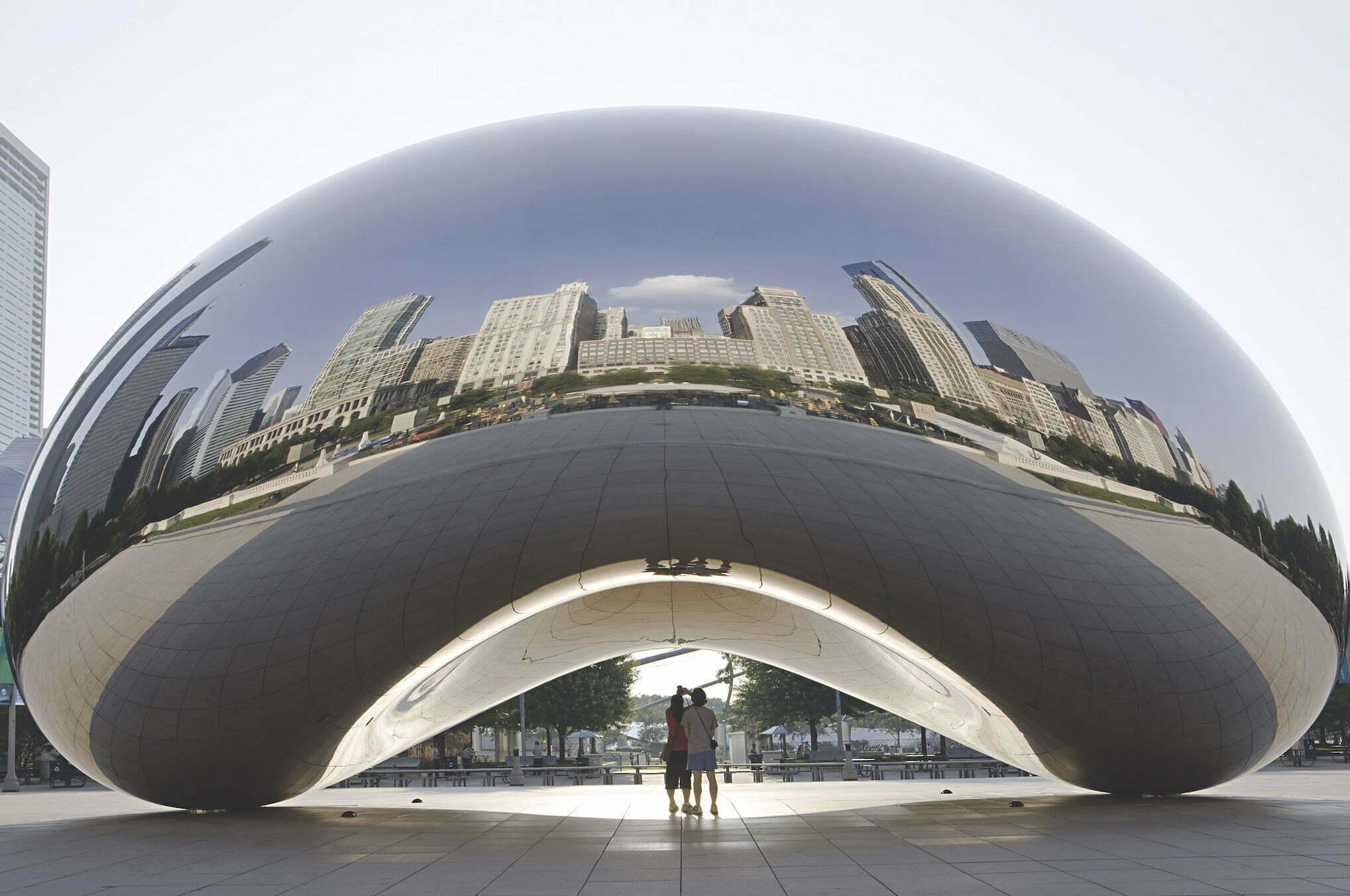 Chicago posiada fenomenalną architekturę. To właśnie tutaj w 1885 roku powstał pierwszy na świecie drapacz chmur o oszałamiającej jak na tamte czasy liczbie 10 pięter.