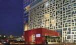 Jeśli głównym celem naszej wizyty w Szanghaju jest biznesowa dzielnica Pudong, to jest to jednaz najlepszych opcji noclegowych. Idealne połączenie luksusu i stylu marki Jumeirah z atmosferą Dalekiego Wschodu.